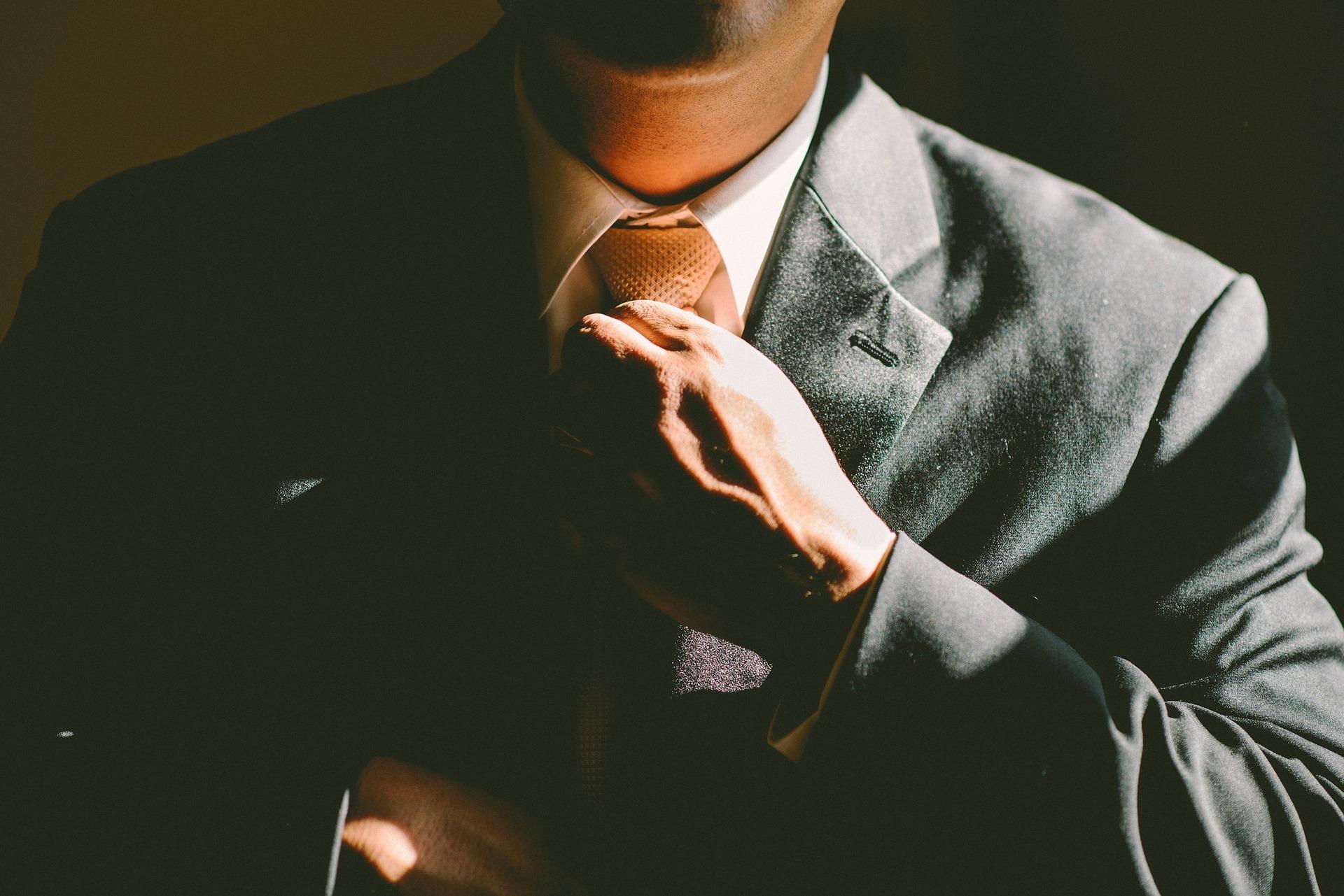 Die richtige Krawate auf men-styling.de